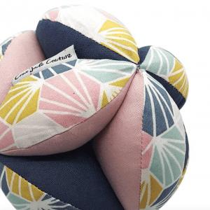 Balle de préhension Montessori –  Rose Origami